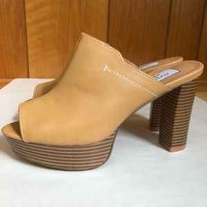 SALE! Chelsea & Zoe Camel leather block heel